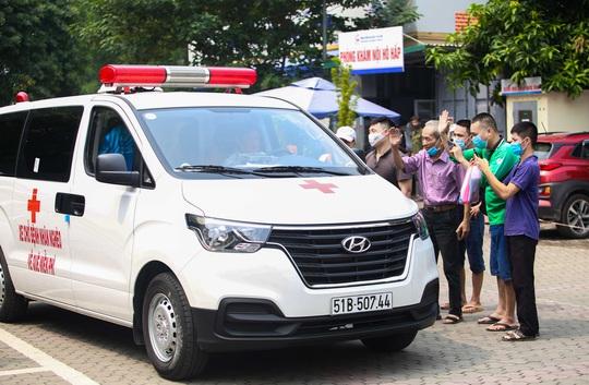 Ông Đoàn Ngọc Hải đưa bệnh nhân từ Hà Nội về Hà Giang: Khi nào yếu, mệt tôi sẽ nghỉ - Ảnh 1.