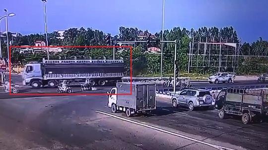 Đà Nẵng: Truy bắt tài xế xe tải vượt đèn đỏ, mang theo hung khí để phòng thân - Ảnh 2.