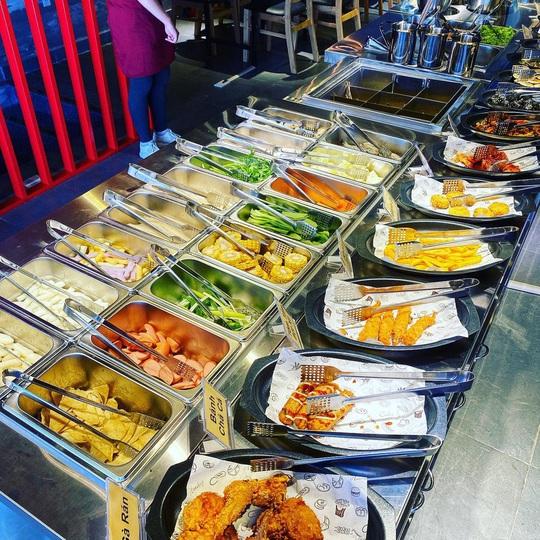 4 điểm ăn buffet giá dưới 200.000 đồng tại TP HCM - Ảnh 2.
