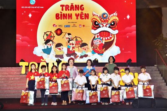 Tập đoàn BRG góp Trăng Bình yên tới trẻ em có hoàn cảnh đặc biệt - Ảnh 2.
