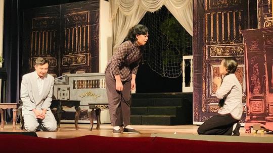 Tăng suất diễn Lôi Vũ, Hồng Vân và Hữu Châu sống lại tuổi 23 - Ảnh 3.