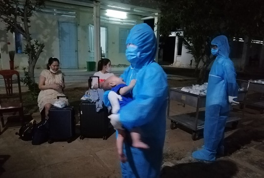 Đưa 358 công dân Việt Nam từ Nhật Bản về khu cách ly - Ảnh 3.