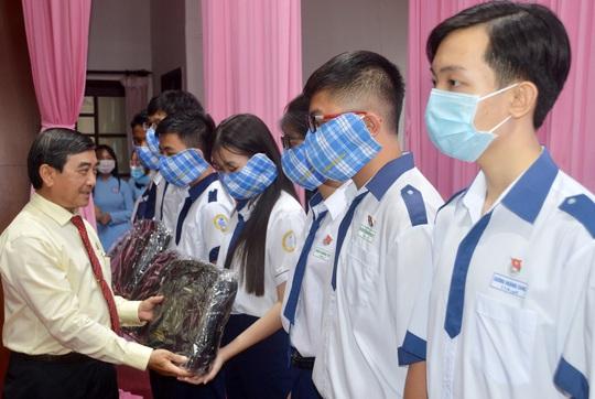 Xổ số Sóc Trăng mang niềm vui đến 406 học sinh, sinh viên nghèo hiếu học - Ảnh 1.