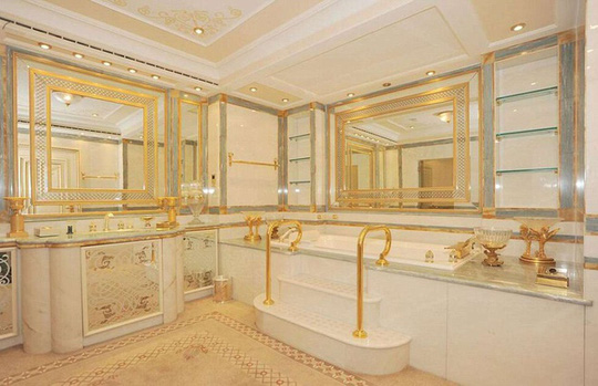 Những phòng tắm xa xỉ bậc nhất thế giới - Ảnh 7.