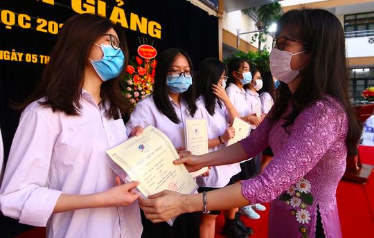 Lễ khai giảng đặc biệt tại Trường THS-THPT Nguyễn Tất Thành - Ảnh 3.