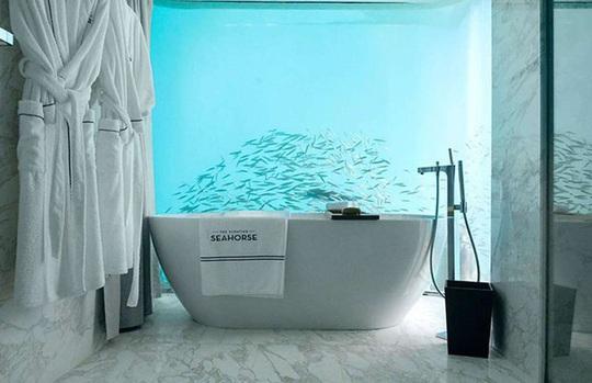 Những phòng tắm xa xỉ bậc nhất thế giới - Ảnh 12.