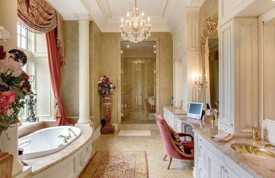 Những phòng tắm xa xỉ bậc nhất thế giới - Ảnh 6.