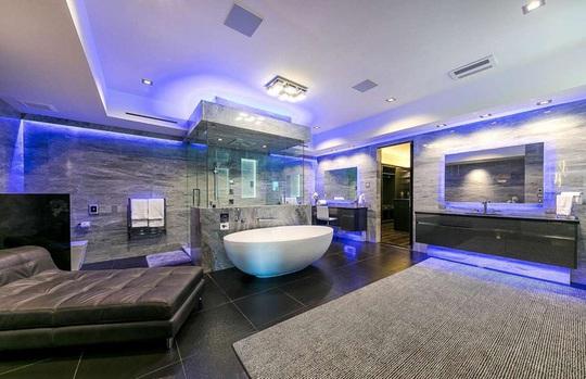 Những phòng tắm xa xỉ bậc nhất thế giới - Ảnh 8.