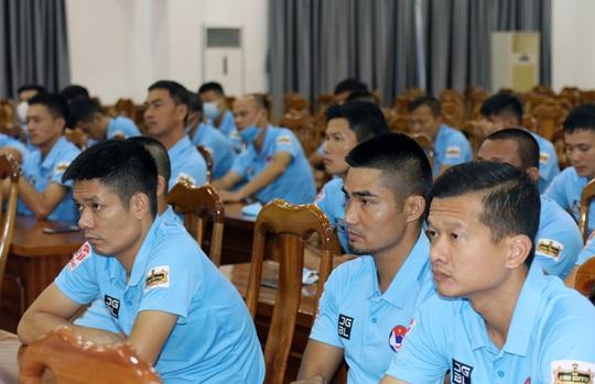 Tập huấn trọng tài, VFF thẳng thắn đề cập các hạn chế, tồn tại - Ảnh 2.