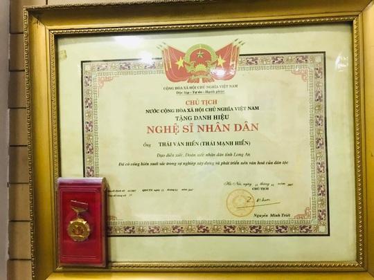 Mai Vàng nhân ái thăm NSND Thái Mạnh Hiển và GS-NGƯT Nguyễn Văn Đời - Ảnh 2.