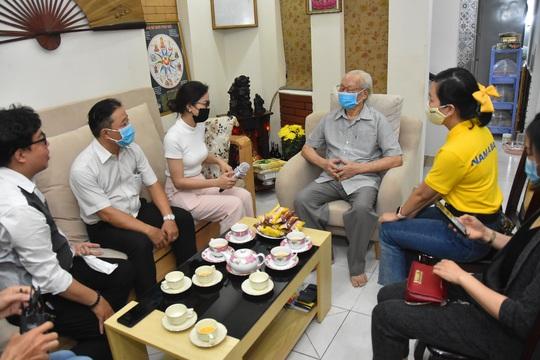 Mai Vàng nhân ái thăm NSND Thái Mạnh Hiển và GS-NGƯT Nguyễn Văn Đời - Ảnh 3.