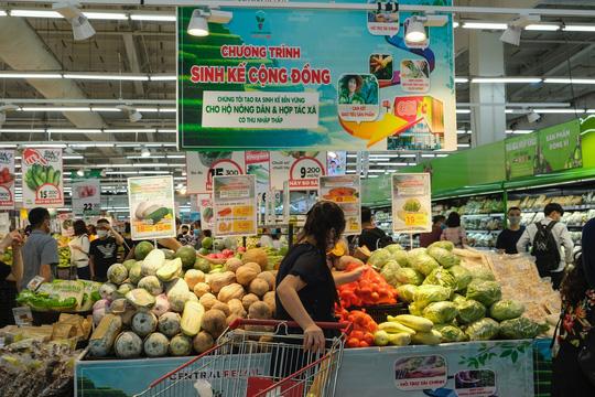 Nông dân Vân Hồ tăng gấp đôi thu nhập nhờ trồng rau sạch - Ảnh 2.