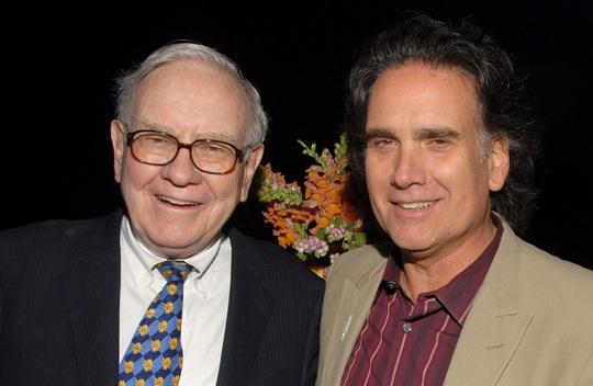 Con trai tỉ phú Warren Buffett tiêu sạch tiền thừa kế để theo đuổi đam mê như thế nào? - Ảnh 1.