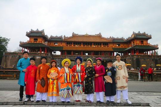 Lễ Ban sóc thu hút khách du lịch đến Huế - Ảnh 8.