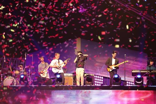 Bữa tiệc âm nhạc tuyệt vời mừng năm mới, mừng thành phố Thủ Đức của người Sài Gòn - Ảnh 11.