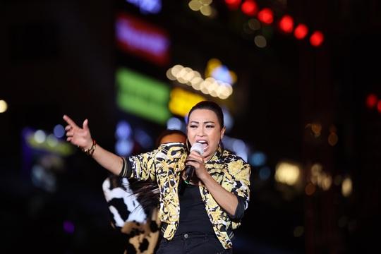 Bữa tiệc âm nhạc tuyệt vời mừng năm mới, mừng thành phố Thủ Đức của người Sài Gòn - Ảnh 2.