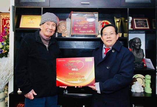 Mai Vàng nhân ái thăm nhạc sĩ Phạm Tuyên trước sinh nhật tuổi 91 - Ảnh 2.