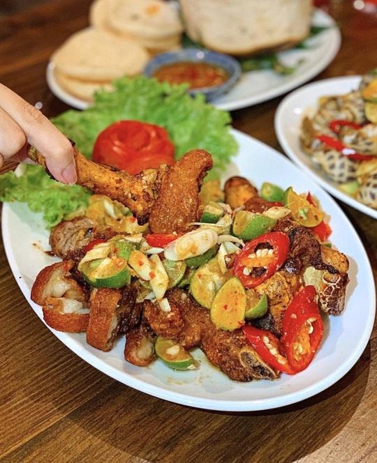 Thưởng thức bữa ăn đêm nhiều món ngon ở TP HCM - Ảnh 10.