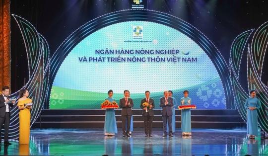 Năm 2020 - Agribank gặt hái nhiều giải thưởng trong nước và quốc tế - Ảnh 1.