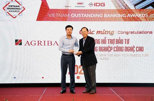 Năm 2020 - Agribank gặt hái nhiều giải thưởng trong nước và quốc tế - Ảnh 2.