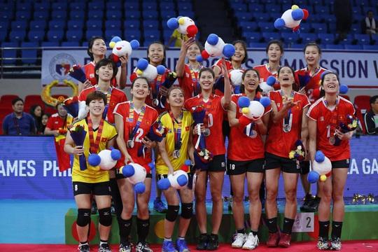 Đội tuyển bóng chuyền nữ: Đang đuối, chờ thầy ngoại cứu - Ảnh 1.
