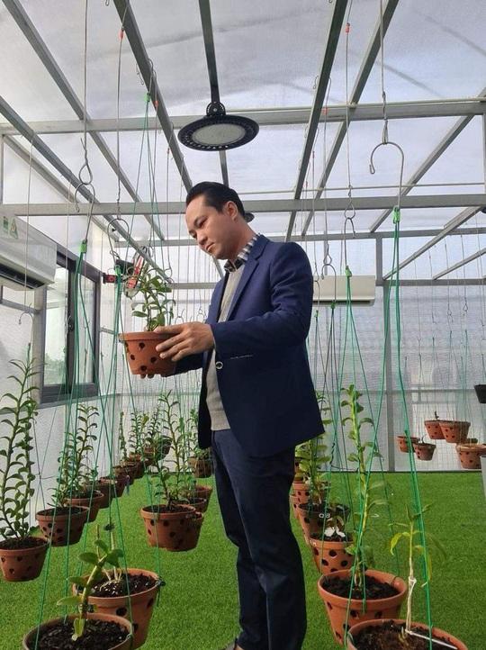 Nghệ nhân Minh Xa chia sẻ bí quyết chăm sóc hoa lan - Ảnh 1.