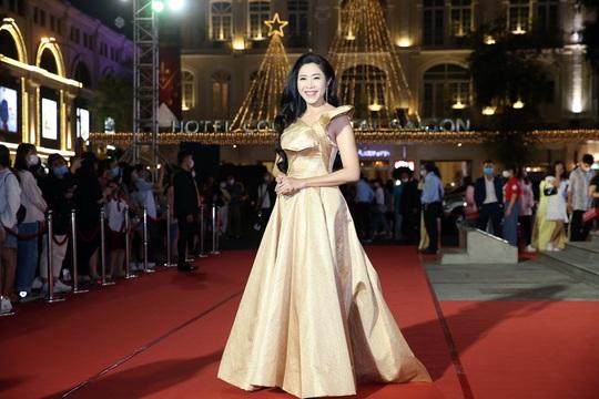 Hoài Linh, Jack, Phương Anh, Ngô Kiến Huy khuấy động thảm đỏ Mai Vàng 26-2020 - Ảnh 15.