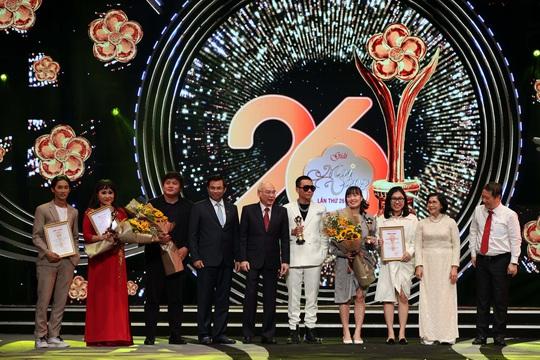 MV 2020 - Tra o giai Phim Rom - Cai Luong Ao cuoi truo cong chua -  chuong trinh truyen hinh duoc yeu thich nhat