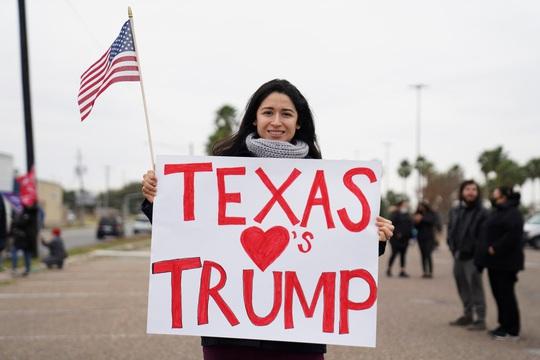 Đảng Cộng hòa tiến thoái lưỡng nan vì Tổng thống Trump - Ảnh 2.