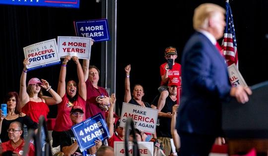 Đảng Cộng hòa tiến thoái lưỡng nan vì Tổng thống Trump - Ảnh 3.
