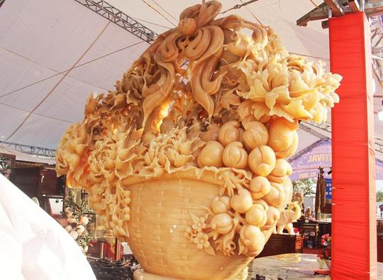 Phát sốt với giỏ hoa Tết bằng ngọc nặng 1,5 tấn, giá gần 700 triệu đồng0:00/0:00Phía Bắc - Ảnh 1.