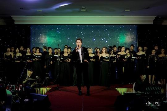 Barry Nam Bảo ra mắt ca khúc mới, mong muốn chinh phục giải thưởng âm nhạc - Ảnh 3.