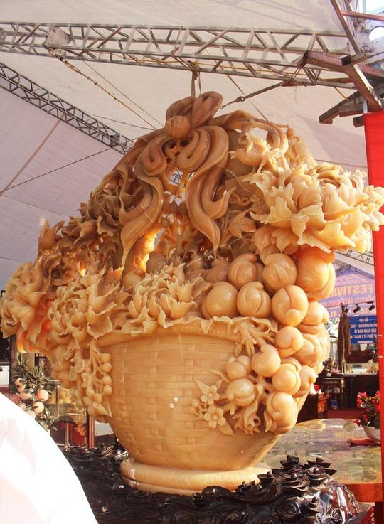 Phát sốt với giỏ hoa Tết bằng ngọc nặng 1,5 tấn, giá gần 700 triệu đồng0:00/0:00Phía Bắc - Ảnh 6.