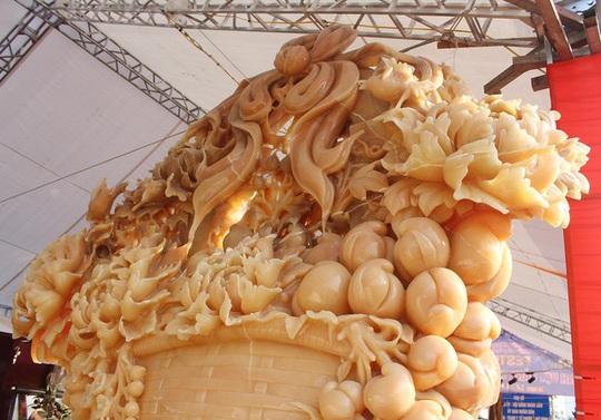 Phát sốt với giỏ hoa Tết bằng ngọc nặng 1,5 tấn, giá gần 700 triệu đồng0:00/0:00Phía Bắc - Ảnh 8.