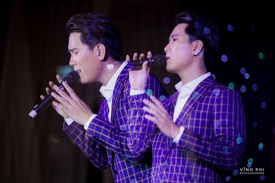 Barry Nam Bảo ra mắt ca khúc mới, mong muốn chinh phục giải thưởng âm nhạc - Ảnh 9.