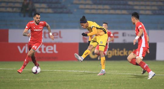 Đương kim vô địch Viettel thua sốc ở vòng 1 V-League 2021 - Ảnh 2.