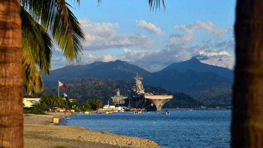 Trung Quốc tài trợ dự án khủng nối 2 căn cứ cũ của Mỹ ở Philippines - Ảnh 1.