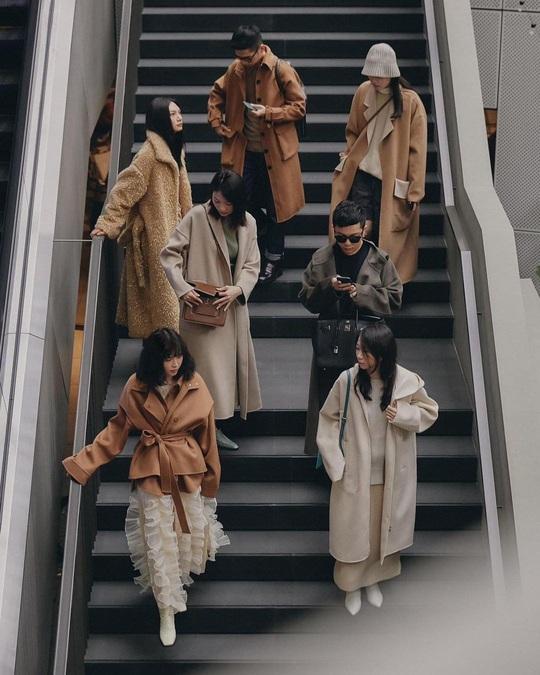 Ghi nhớ 4 cách chọn áo khoác dáng dài ưng ý không dìm dáng - Ảnh 2.