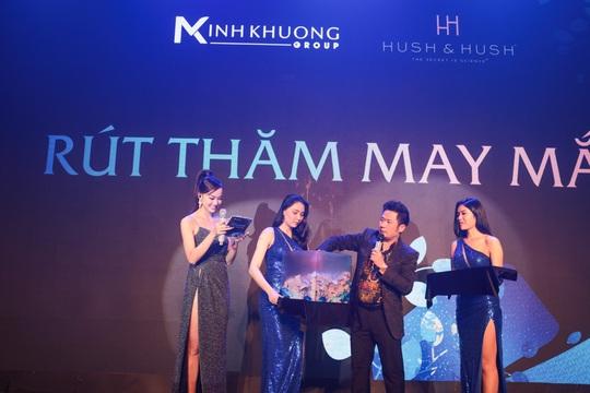 Ca sĩ Bằng Kiều cùng Phương Vy Idol chúc mừng Hush & Hush ra mắt dòng sản phẩm mới 2021. - Ảnh 4.