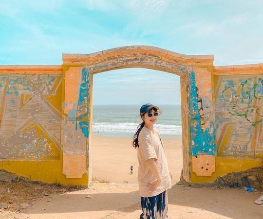 Đón nắng ấm ở biển Quy Nhơn, Nha Trang... dịp Tết Âm lịch - Ảnh 4.