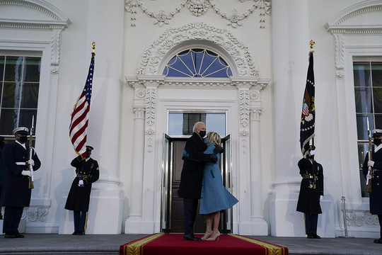 Ông Biden đến Nhà Trắng với tư cách tổng thống - Ảnh 1.