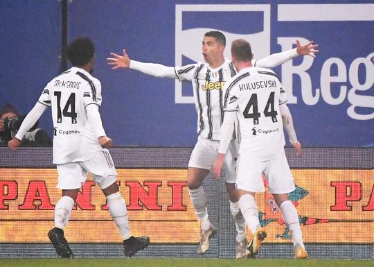 Ronaldo lập công giúp Juventus vô địch Siêu cúp Ý - Ảnh 4.