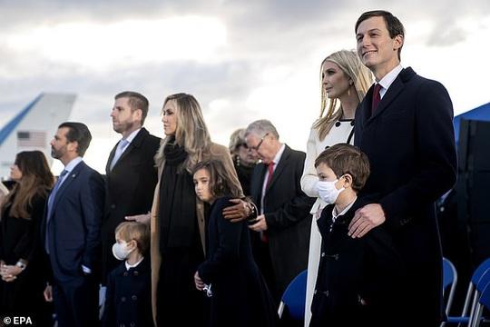 Chuyện hậu trường ngày ông Trump rời Nhà Trắng - Ảnh 3.