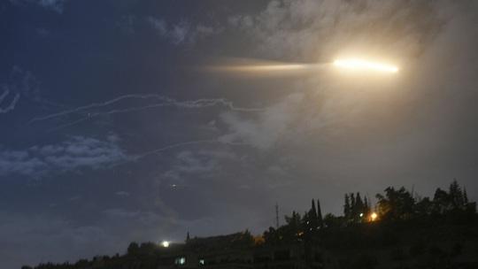 Ông Biden vừa nhậm chức, Israel dội tên lửa Syria - Ảnh 1.