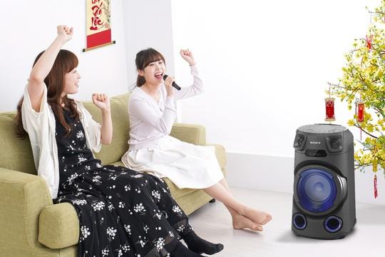 Về nhà ăn tết, đừng quên sắm loa Karaoke Sony - Ảnh 1.