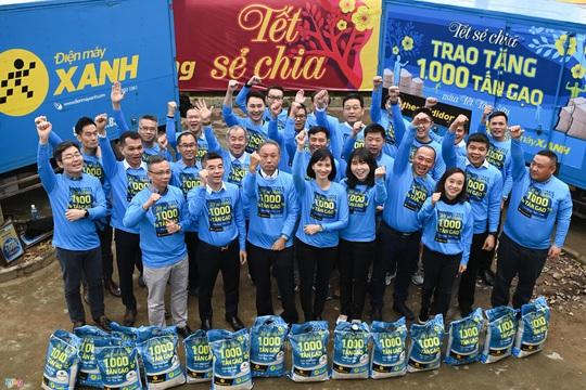 Sức lan tỏa từ chương trình 'Tết sẻ chia' - ngàn tấn gạo trao khắp Việt Nam - Ảnh 2.