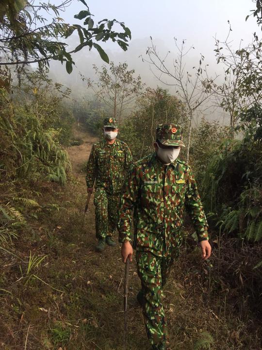 Cận cảnh cuộc sống của bộ đội biên phòng dưới cái rét cắt da cắt thịt nơi địa đầu Tổ quốc - Ảnh 2.