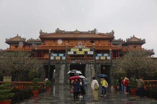 Ngọ Môn mở cửa đón khách sau 8 năm - Ảnh 1.