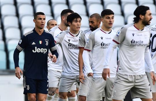 Clip: Ronaldo kiến tạo, Juventus giành 3 điểm, lọt top 4 Serie A - Ảnh 2.