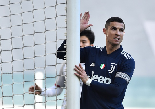 Clip: Ronaldo kiến tạo, Juventus giành 3 điểm, lọt top 4 Serie A - Ảnh 4.